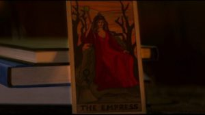 """Chilling Adventures of Sabrina Folge 15: Wer erhält die Tarotkarte """"Die Herrscherin"""" (Quelle: wherever-i-look.com)"""