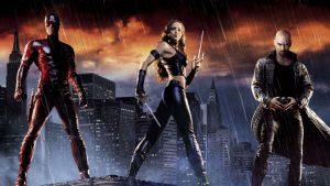 Die 10 schlechtesten Superhelden-Filme aller Zeiten: Daredevil überzeugt mit dem Schauspielerensemble - und mit schlechten Dialogen, Settings und Kostümen (Quelle: Blastr.com)
